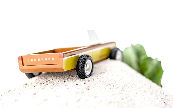 Zdjęcie Candylab Samochód Drewniany Longhorn Sierr